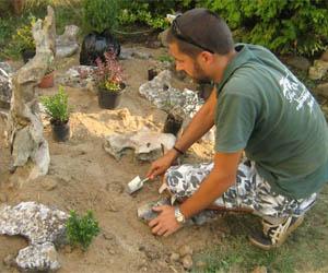 Изграждане на алпинеум (скален цветен кът)